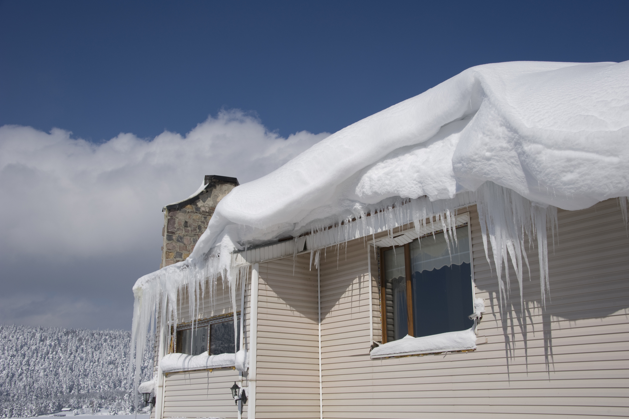 Ice Dams Icicles And Roof Leaks Mold Matters Rtk